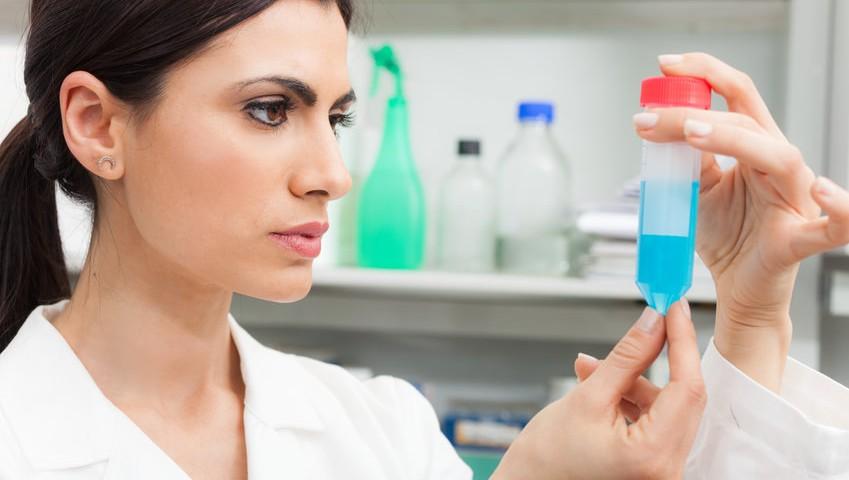 natürliche Entgiftung, Körper entgiften, reines Wasser