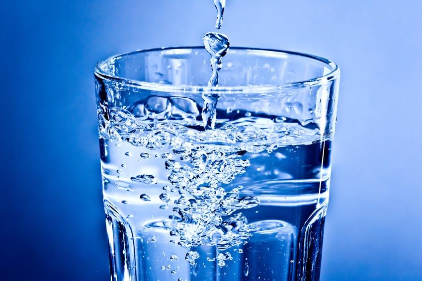 mineralwasser oder ohne mineralien das ist hier die frage wasser macht gesund. Black Bedroom Furniture Sets. Home Design Ideas
